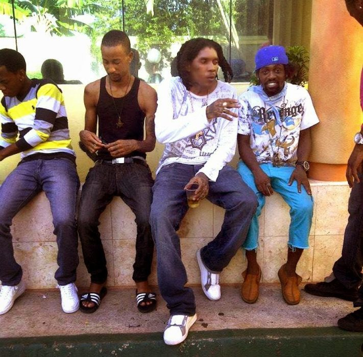Vybz Kartel with friends - Vybz Kartel With Friends talks about killing  People In Church & Demon (video)