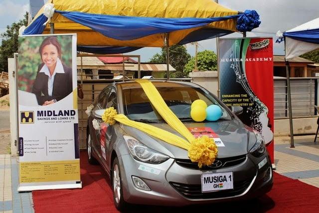 Hyundai Elantra car Prize - Exclusive photos: JoeyB takes home new Hyundai Elantra