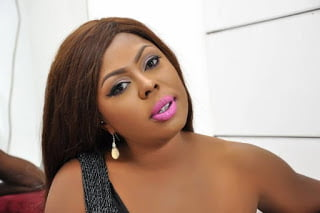 Afia Schwarzenegger - Afia Schwarzenegger applauds Anas, Condemns Judges bribe scandal