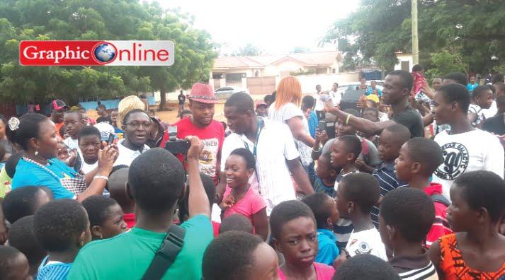 Kalibos visits Adenta school