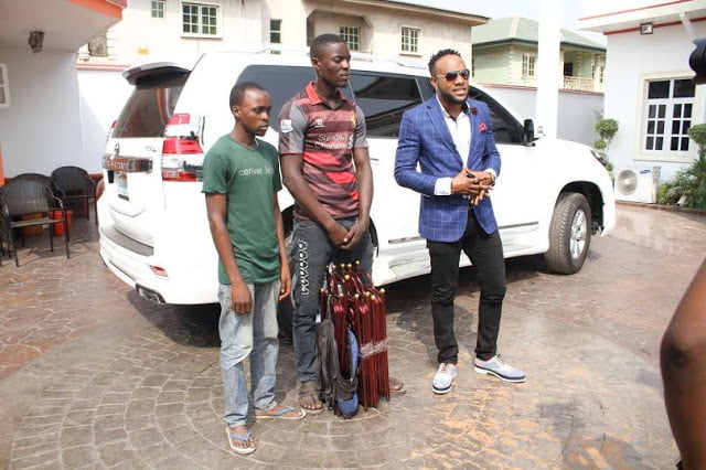3416481 10 jpeg549cfc258b5b09317e51edf0d640cf8d - Kcee aka 'EMoney' gives away brand new car and cash gift to street hawker +Photos