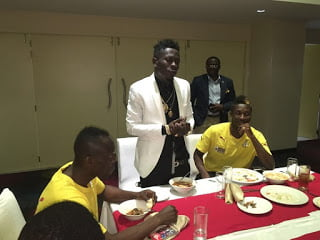 Photos: DanceHall King! Shatta Wale Coaching the Blacks Stars before the Match
