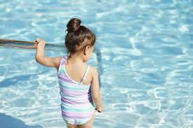 VideoBrave5Year Old GirlsavesMumfromdrowninginPool - Video: Brave 5 Year-Old-Girl Saves Mum from drowning