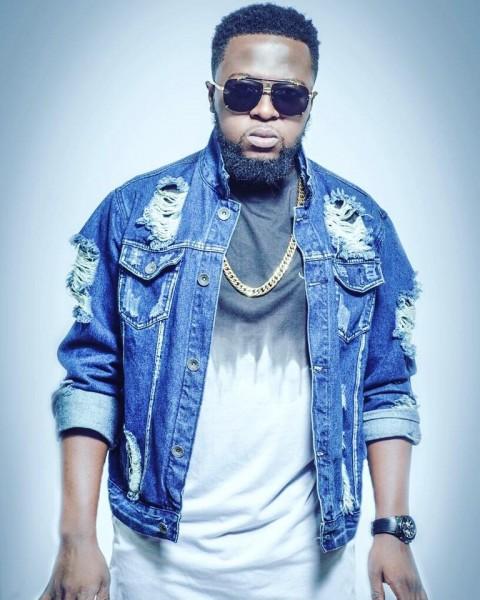 guru-withholds-gold-album-launch-in-kumasi-due-to-asantehemaas-death