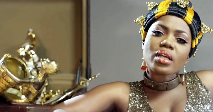 Mzbel shows off her 'man'